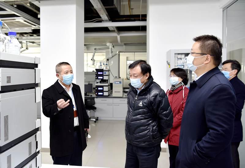 2020年2月18日,国家中医药管理局余海洋司长莅临必赢登录调研 关心防疫药品生产